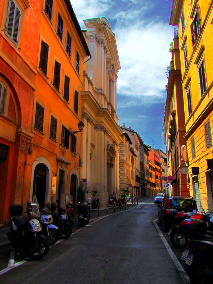 A quiet Roman street