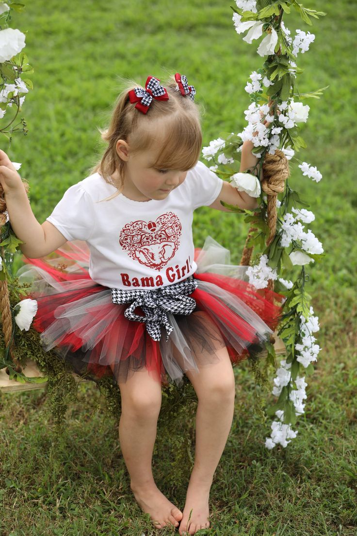 This is such a cute outfit to celebrate with your princess in her Bama Tutu. You have to show your pride in this Alabama tutu accented with a houndstooth ribbon