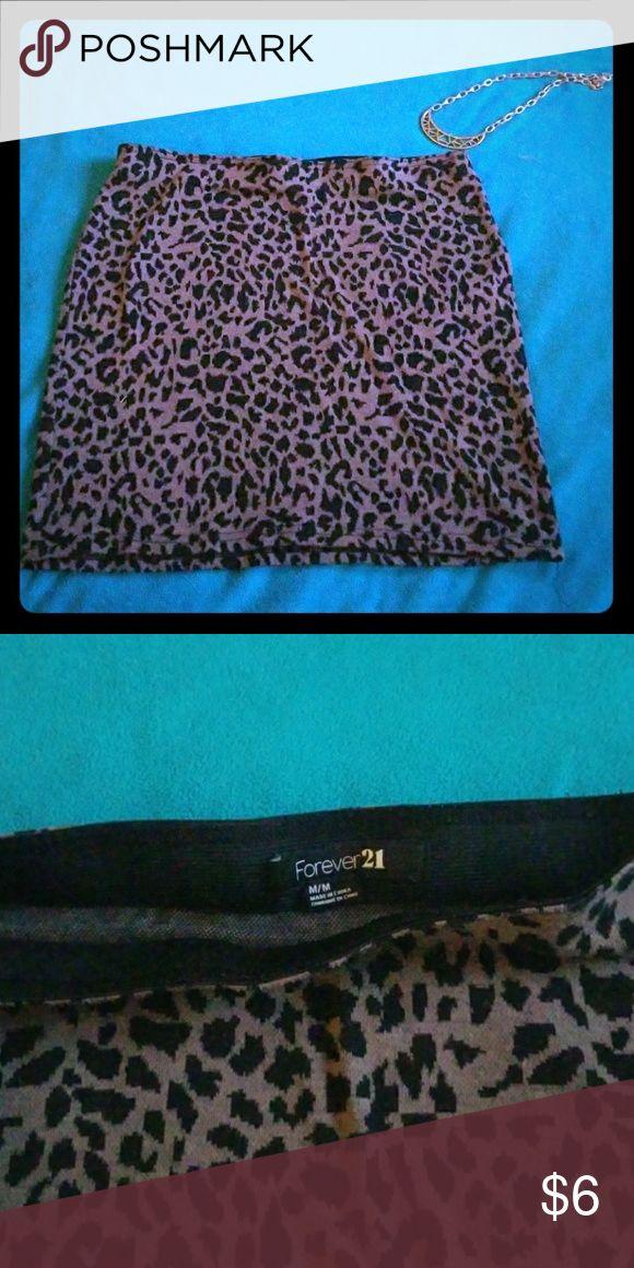 Forever 21 Cheetah skirt Forever 21 Cheetah skirt! Like new! Forever 21 Skirts