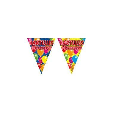 Vlaggenlijn hartelijk gefeliciteerd  Verras de jarige en versier het hele huis met deze leuke vlaggenlijn! De slinger is versierd met een vrolijke ballon-opdruk en met de woorden 'Hartelijk gefeliciteerd'!  EUR 1.99  Meer informatie