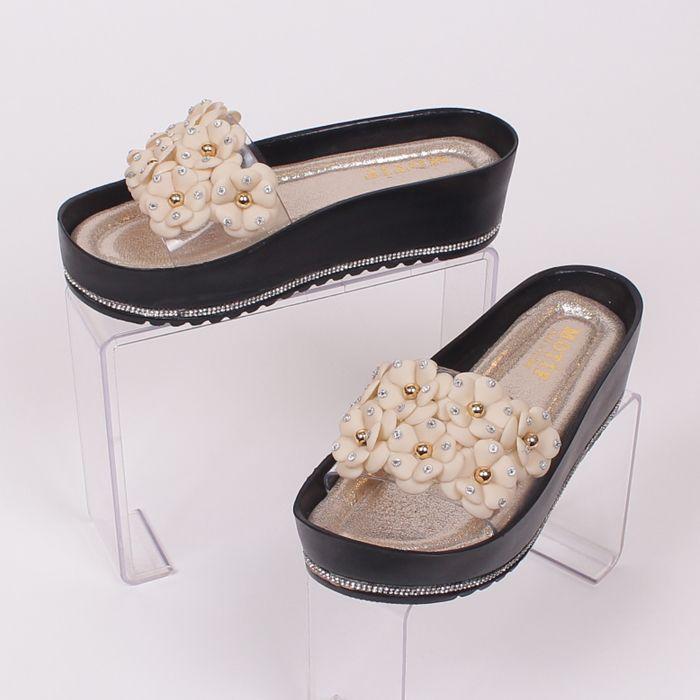 ba0387c998d #Стилни и удобни дамски #чехли с висока подметка - 2 см. отпред и 4 см. в  задната част - изработена в черен цвят и декорирана с лента от безцветни  камъчета ...