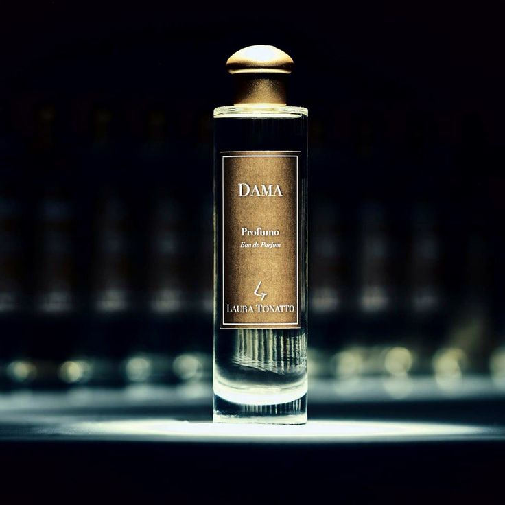 LAURA TONATTO Italian Fragrances. Eau de Parfum DAMA  The rising women. The floral notes of iris vanish in the powdered aroma of opoponax reminding of the passion of the ladies of the Renaissance Court. A woman of pure sweetness, reflected upon a dawning light, is awoken by this perfume. http://tonatto.com/en/fragrances/dama/eau-de-parfum-dama.html