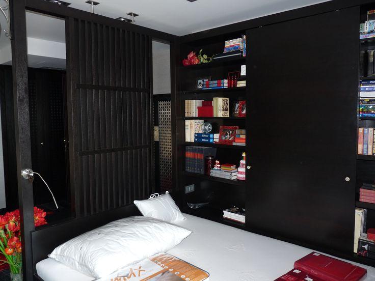 rusztikus meranti kombinált szekrény, ággyal, térelválasztó elemmel