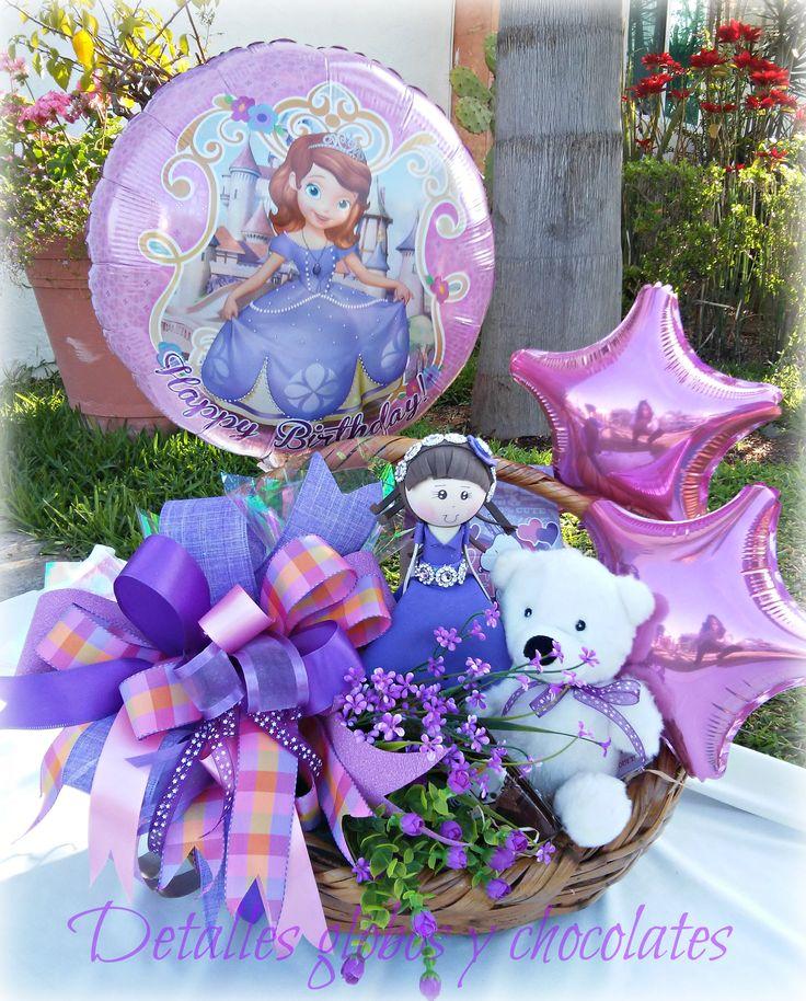 """Canasta Princesa Sofia """"Detalles globos y chocolates"""""""