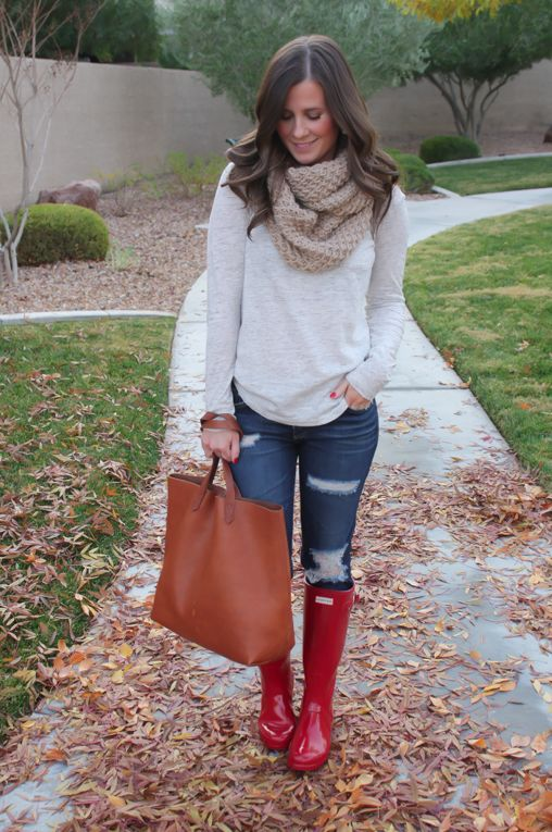 Chunky Infinty Scarf, Distressed Skinny Jeans, Red Wellies, Cognac Tote, Old Navy, AG Jeans, Hunter Boots, Madewell 4