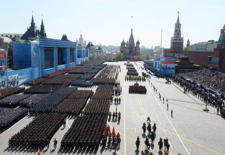 General view of the Victory Parade 2015. (Photo: Reuters)