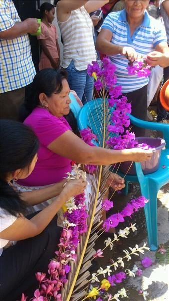 elsalvador.com, Panchimalco celebra el festival de las flores y palmas
