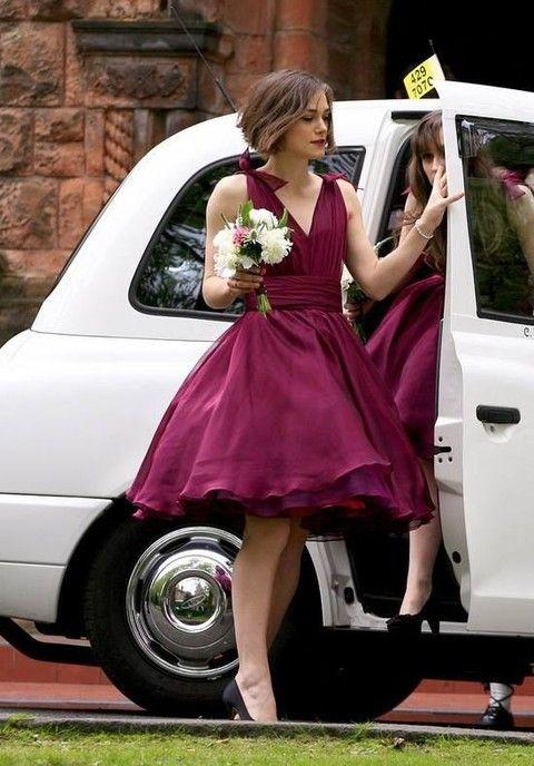 Damas de honor con vestido de color Marsala. #BodaColorMarsala