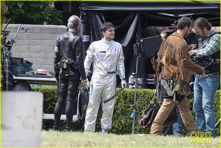 josh hutcherson begins filming for new movie future man 05