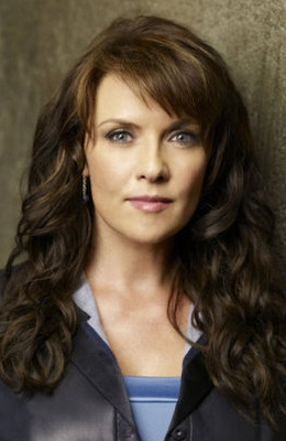 One of my favourite actresses - Amanda Tapping...plus, I love her hair!