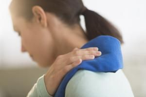 How Should I Treat a Torn Rotator Cuff?: Rotator Cuff Tear Symptoms