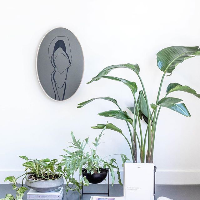 My Silver/Nude Large Oval Mirror, now available for purchase - check the link in my bio to see details and the rest of the line. Styling by @lmelling Photo by @jonmcmorran⠀  .⠀  .⠀  .⠀  .⠀  #luxe #mirror #mirrors #modernmirror #contemporarydesign #junglevibes #design #designlovers #interiordesign #interiorobsessed #madeincanada #canadianmade #handmade #handcrafted #modernliving #minimal #instadesign #homedecor #wallart #wallartdecor
