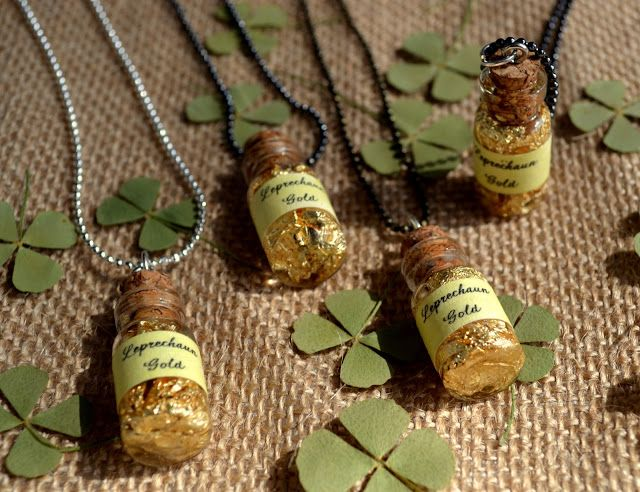 *Jennuine by Rook No. 17*: St. Patrick's Day Craft: Wee Bottle of Leprechaun Gold Necklace DIY