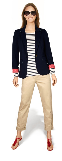 2 weeks, 10 outfits, 16 pieces / outfit #8 mix: khaki crops, blue fishermen's top, navy blazer, red sandals