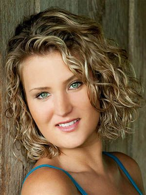 embrace the natural curl! Short natural hairstyles 2014 – Curly and Wavy Hairstyles | Hmmm... Maybe time for a curly bob?