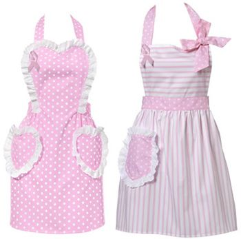 retro aprons oh why did they go out of style.  I have piles of them, maybe I should wear one.