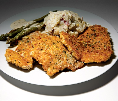"The Cheesecake Factory Crispy Chicken Costoletta The ""lightly breaded"" chicken may be served with asparagus and mashed potatoes rather than instead of fries, but this plate has more calories than any of the beef items on the chain's menu.   Calories: 2,610 Saturated Fat: 89 g Sodium: 2,720 mg"