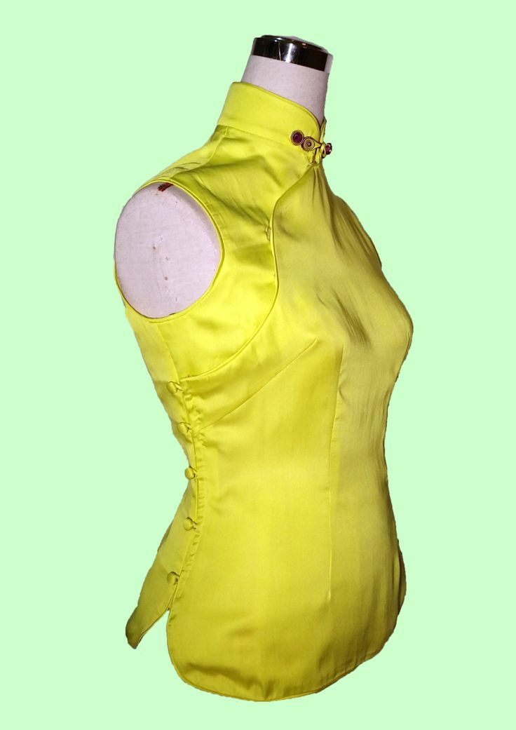 Gelbes Kleid ärmellos seidig Qipao Cheongsam Top von Phyllas