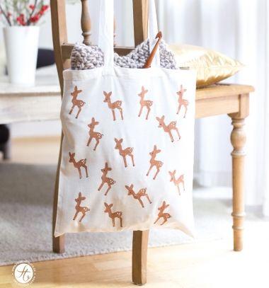 Easy DIY Potato stamp deer fabric bag // Egyedi vászontáska őzikés krumplinyomda mintával házilag // Mindy - craft tutorial collection // #crafts #DIY #craftTutorial #tutorial #SantaCrafts #Santa #ChristmasCrafts #Mikulás #Télapó