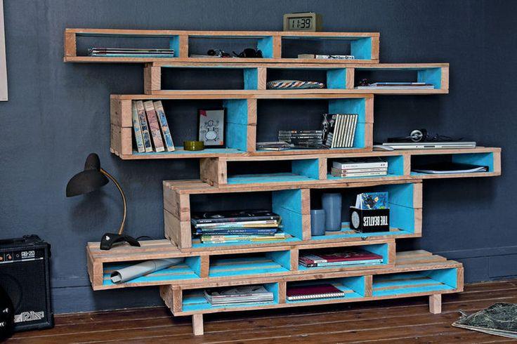 Des rayonnages design bricolage design et interieur - Petit meuble en palette ...