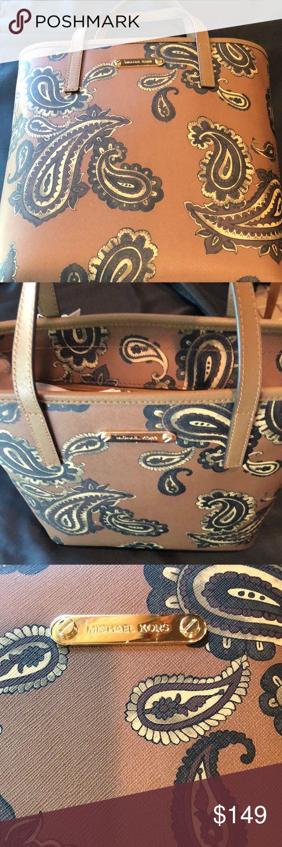 Emry Medium Leather Tote Bag