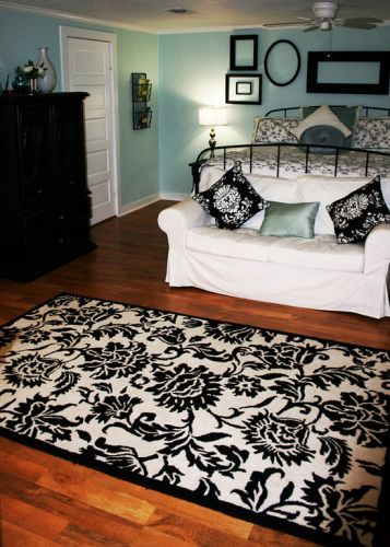 there's just something about black and white and aqua in a room: Guest Room, Black And White, Wall Color, Master Bedroom, Bedroom Ideas