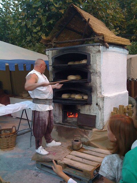 Huge Baker Dude Outdoor Oven Fire Inspiration Pizza