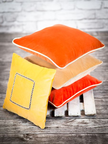 Find some sun in our pillows.Go and visit http://sklep.colorforhome.pl/