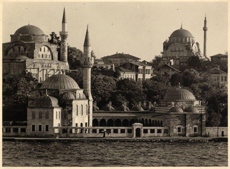 Üsküdar Şemsi Paşa Ayazma ve Rumi Mehmet Paşa Camileri  SALT Araştırma - Ali Saim Ülgen Arşivi http://ift.tt/1ZmyjhN