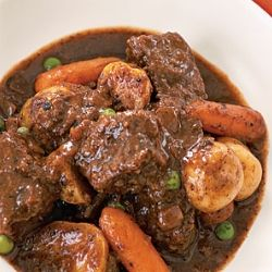 how to cook a healthy and hearty beef stew in crockpot.  Very similar to a recipe I've been hunting down for years... I think the only difference is the other recipe used corn as well.