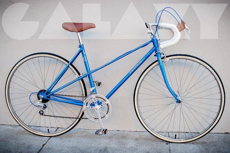 1982 PEUGEOT 50cm Ladies Mixte ROAD BIKE Fully overhauled / LIKE NEW condition 10-Speeds... shifts perfectly. New cables and housing all around, new tires, new tubes, new brake pads, new bar tape, ...