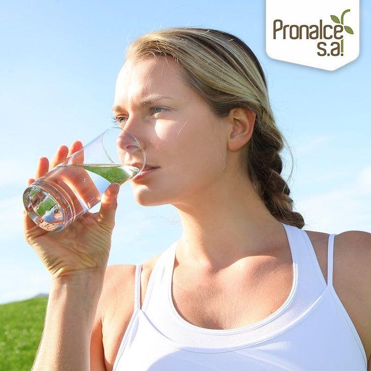 Nuestro cuerpo está compuesto por agua en más de un 70%, y mientras entrenamos perdemos parte de ella. Por eso una correcta hidratación es clave, no sólo para nuestro rendimiento deportivo, sino además para cuidar la salud #TipsPronalce    #Pronalce #Avena #Wheat #Trigo #Cereal #Granola #Fit #Oats #ComidaSaludable #Yummy #Delicious #Tasty #Instagood #Delicioso #Sano #HealthyFood #Breakfast #Protein #Nutrición #Cereales