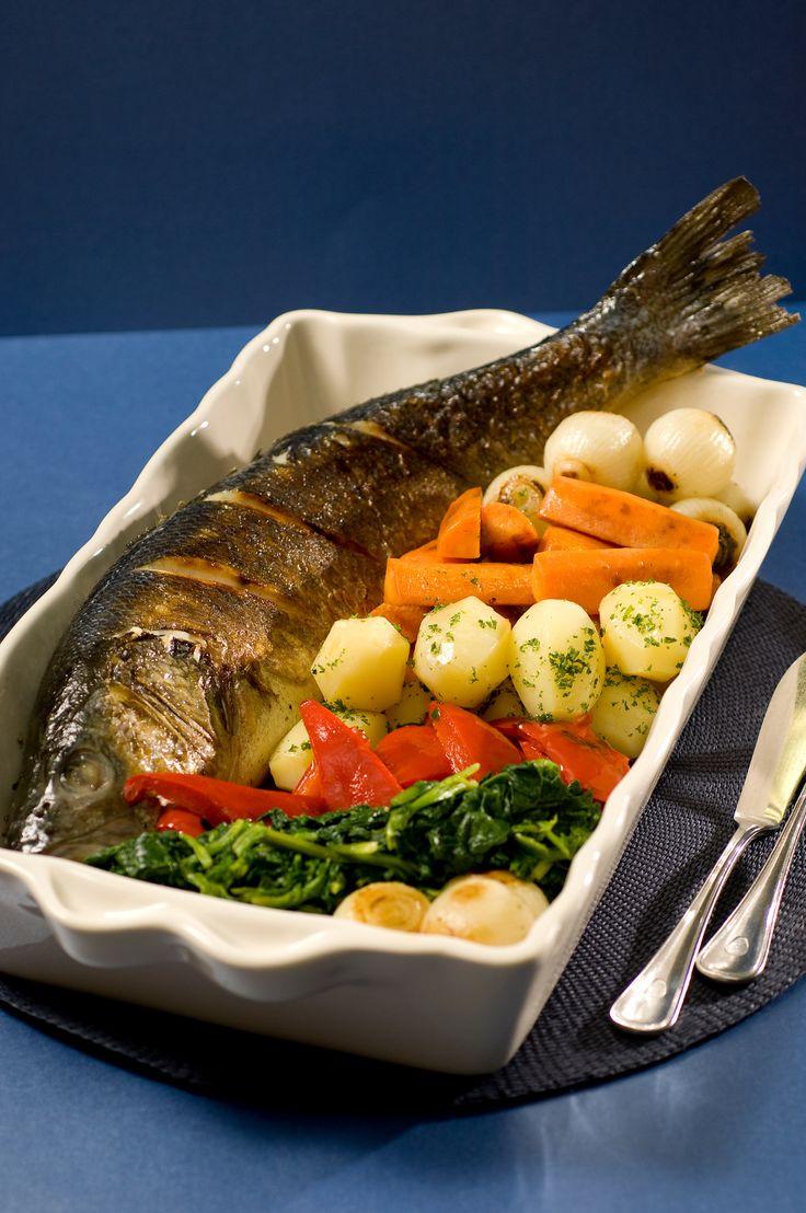 Жареный деликатес, иначе и не скажешь. Блюдо Премиум класса, хотя не требует особых умений и навыков, не содержит необычных ингредиентов и на вид обычное барбекю. Вся деликатесность заключается в самой рыбе, ведь Сибас для большинства — ресторанное блюдо. Для среднестатистического потребителя, рыба довольно таки дорогая, на уровне с хорошими креветками, её стоимость составляет приблизительно $12 […]