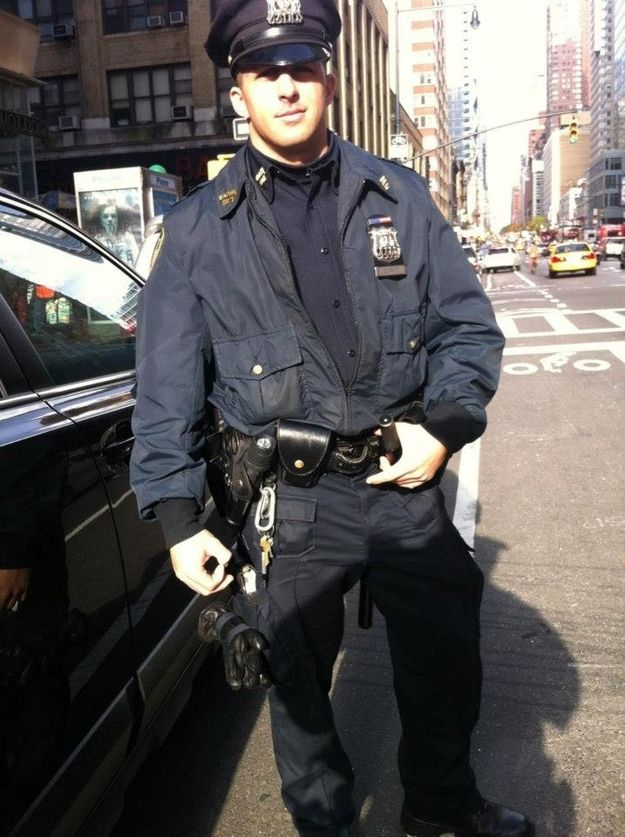 Meet The Most Beloved Police Officer In New York City: Cute cop bough shoes for homeless man