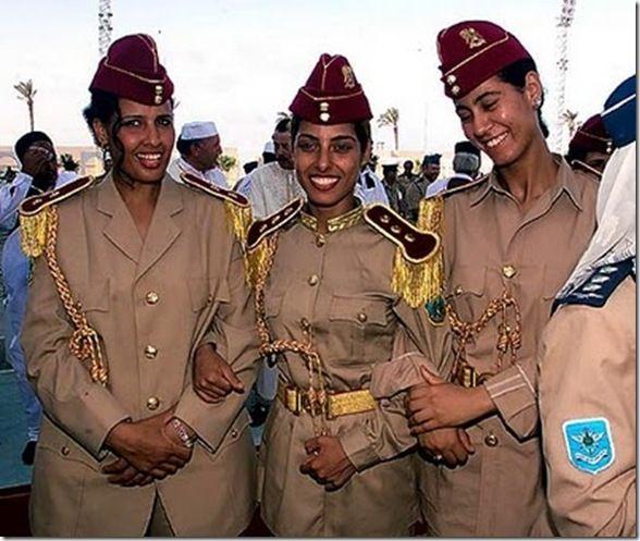 Gaddafi's All Female Bodyguards (38 pics)   Female soldier, Warrior girl, Military  women