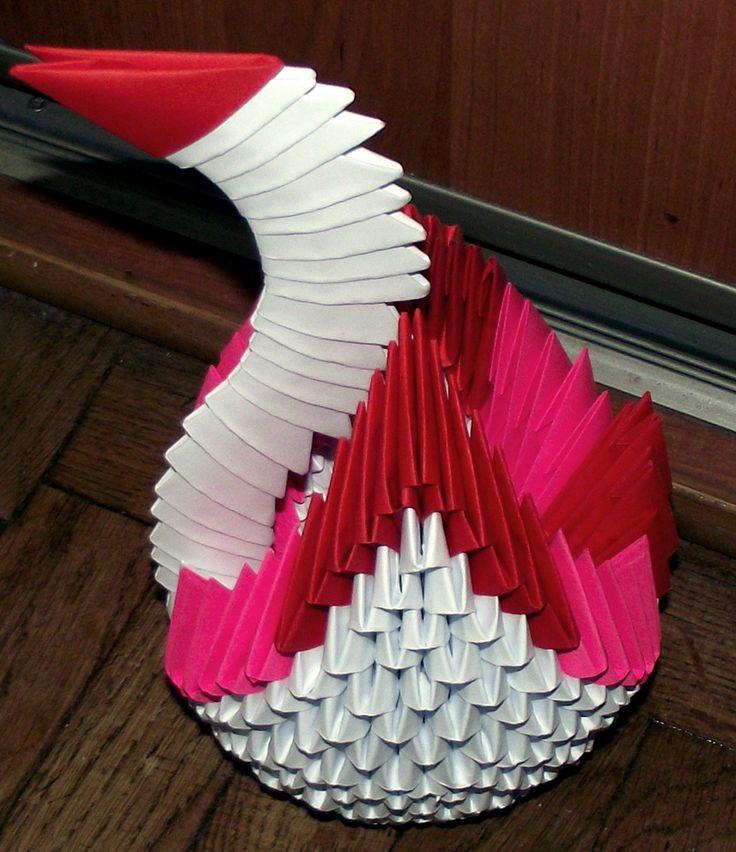 Wykonany metodą origami.