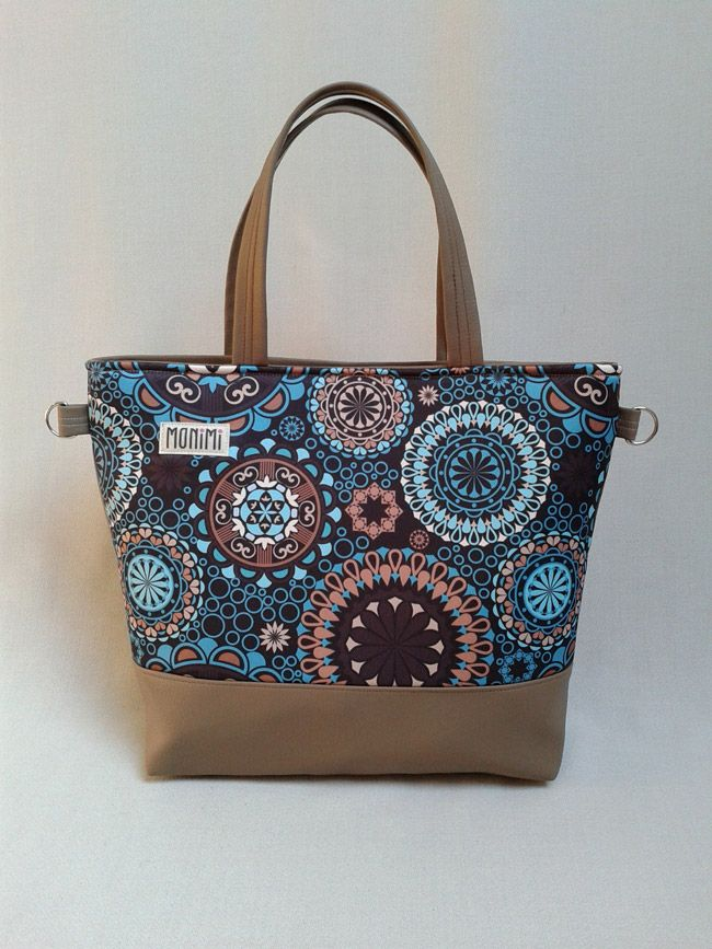 Ha szeretnél sikkes és trendi lenni, ezt a táskát válaszd! Saját tervezésű gyöngyvászonra nyomott, #mandala mintával készült ez a táska. Nagyon dekoratív darab! #basebag #női #táska