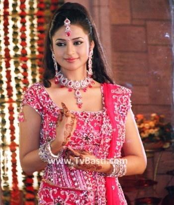 Divyanka Tripathy - Picture of Divyanka Tripathi - Celebrity