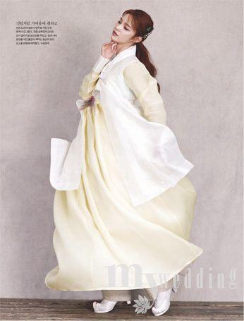 <마이웨딩>은 매달 웨딩드레스, 한복, 뷰티, 주얼리&워치, 혼수, 허니문, 웨딩 인포메이션, 리빙, 패션 등 예비신부들의…