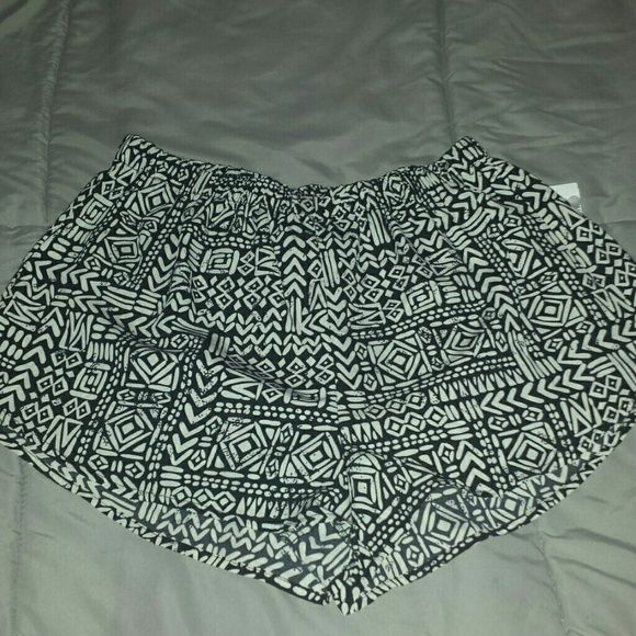 Aztec print shorts Elastic waist,  will fit a large or medium. Shorts