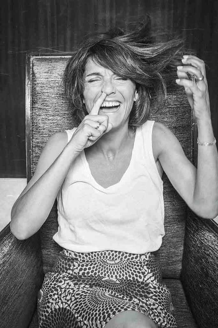 « Réussir un jour à vaincre le cancer les doigts dans le nez. » C'est le rêve de Sandra Lou. La comédienne a demandé à 80 personnalités de poser le doigt dans le nez, comme un plaidoyer en faveur de la lutte contre le cancer chez les enfants.
