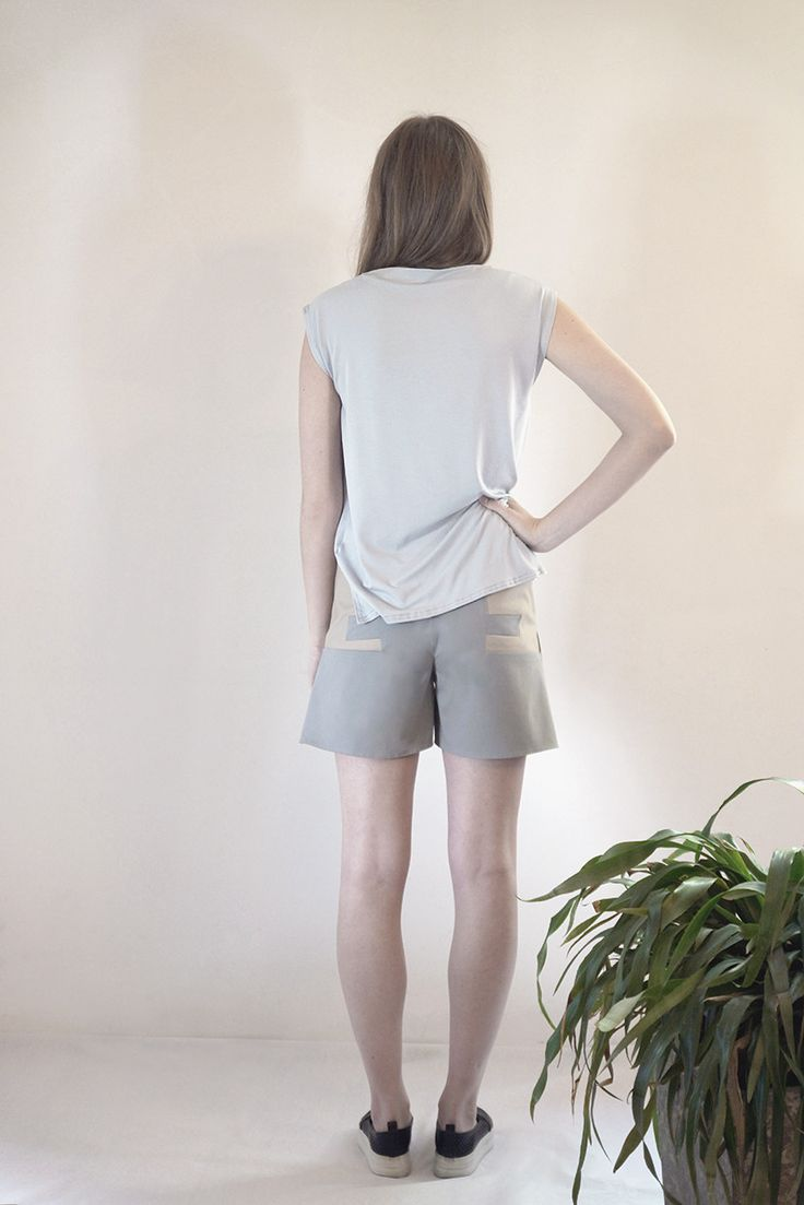 SAXUM color block short #PANTHEIST #FLUMENcollection #womenswear