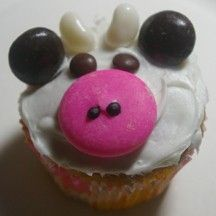 Forget the Bikini Diet for a Day: National Junkfood Day!: Cows Cupcakes, Barnyard Cupcakes, Cupcakes Ideas, Birthday Parties, Farms Parties, Black Cows Birthday, Cups Cakes, Cupcakes Rosa-Choqu, Cupcakes Cows