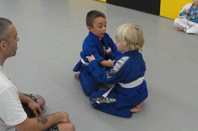 Jiu Jitsu Gi Training for Kids Self Defense | Jiu jitsu gi, Jiu jitsu, Self  defense