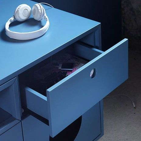 Caixa  #miniforms TV bench: vintage look and ultra-modern accessories.