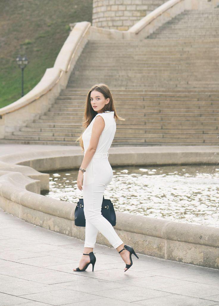JoannaVi - Klasyczny biały kombinezon