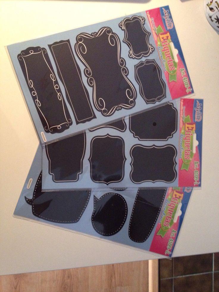 Nuestro equipo está diseñando la jardinera para que sea más atractiva, estas etiquetas son para las macetas para etiquetar cada cultivo y sea más fácil para el equipo, estamos esperando a la instalación del riego para empezar a pintar la estructura y decorarla. - BeckySerrano 25 de Marzo del 2015