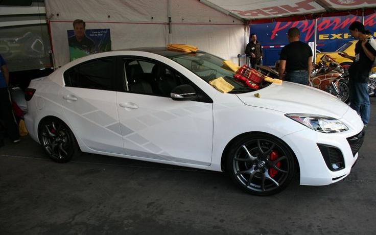 Mazda 3 black rims red calipers