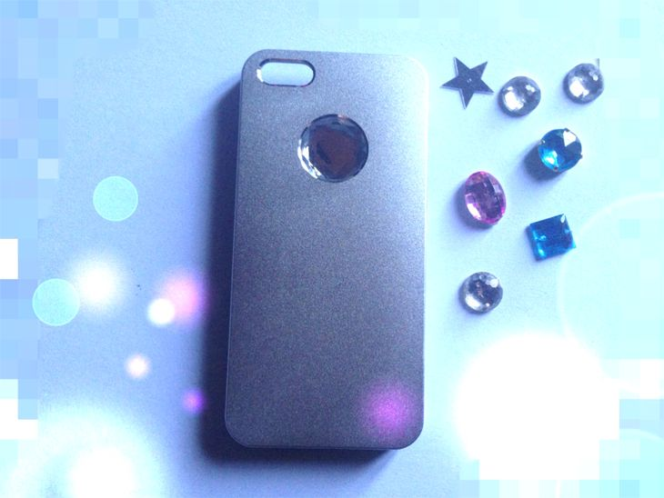 #iphone5 #iphone5S #cover #accessori #aiino #hitech #smartphone #madeinitaly #caricabatterie iPhone #lifestyleblogger #apple #tablet by Aiino , cover and accessories, battery recharger iPhone, comp...
