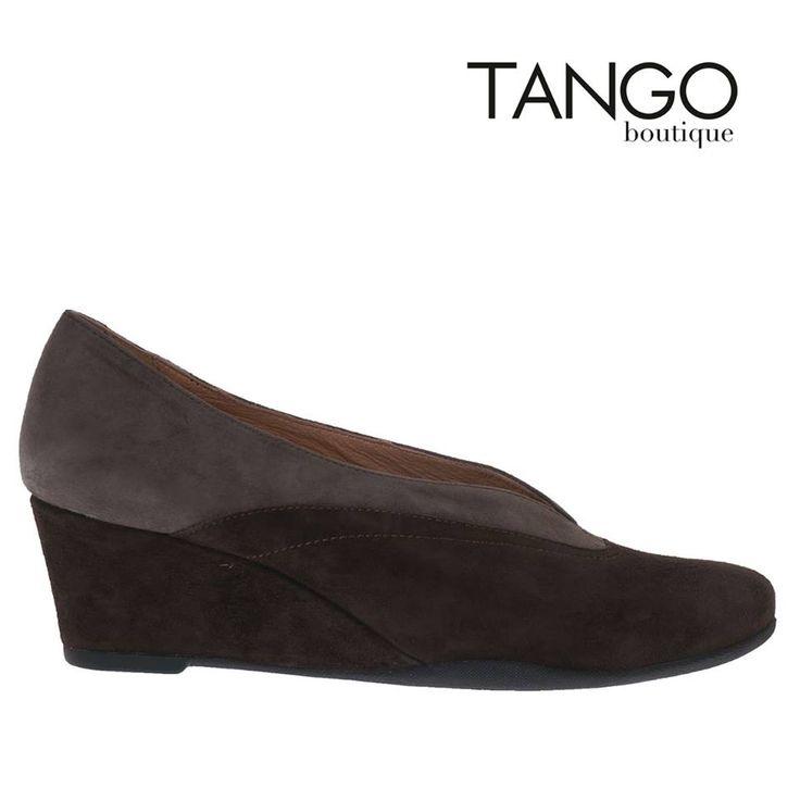 Πλατφόρμα παπούτσι Stonefly 107218 Για την τιμή και τα διαθέσιμα νούμερα πατήστε εδώ - http://www.tangoboutique.gr/.../platforma-papoutsi... Δωρεάν αποστολή - αλλαγή & Αντικαταβολή!! Τηλ. παραγγελίες 2161005000